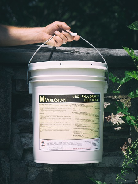 Pail of Voidspan 500 Series PHLc Gravity Feed Grout